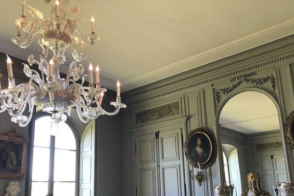 Le salon central du Château de Digoine, en Saône-et-Loire
