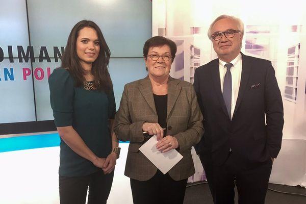 Marie Morin (à gauche) accueille Michèle André (au centre) et Jean-Yves Vif (à droite).