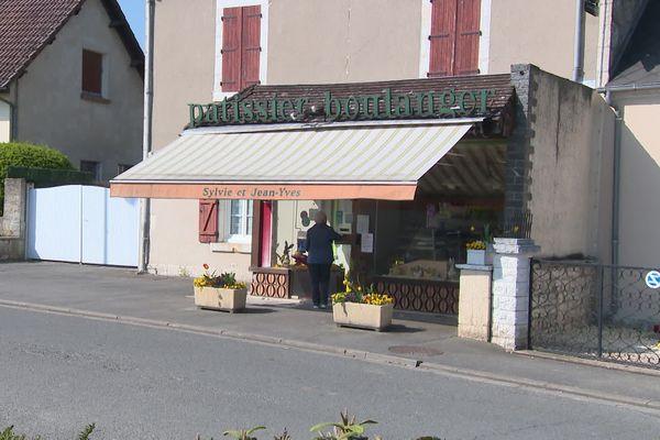 Boulangerie ouverte à Saint-Germain-du-Puy
