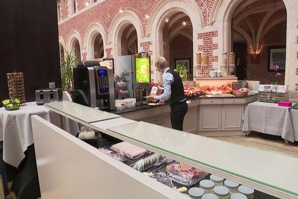 Lille : après cinq mois de fermeture du fait de l'épidémie de Covid-19, l'hôtel 4 étoiles Alliance rouvre ses portes.