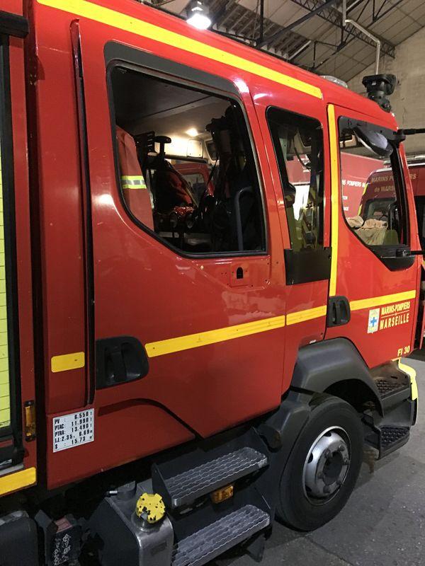 Les engins des marins-pompiers ont subi des dégâts dans la nuit de dimanche à lundi.