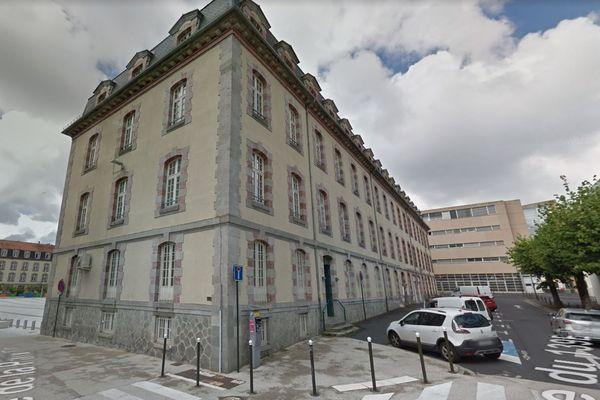 """La cité administrative d'Aurillac devrait être raccordée au réseau chaleur """"bois"""" de la commune."""
