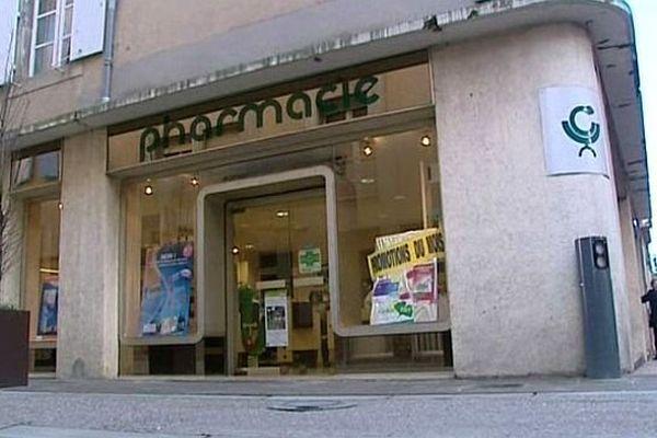 Carcassonne - il y a trop de pharmacies en centre ville - janvier 2014.