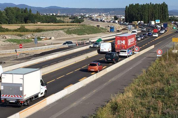 Au sud de Clermont-Ferrand, sur l'A75, APRR a mis en place des restrictions de circulation jusqu'au 6 septembre au moins.