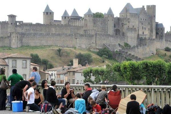 La cité de Carcassonne près de la rivière Aude