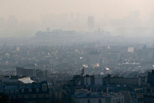 En raison d'un nouvel épisode de pollution atmosphérique, Paris met en place mardi la gratuité du stationnement résidentiel.