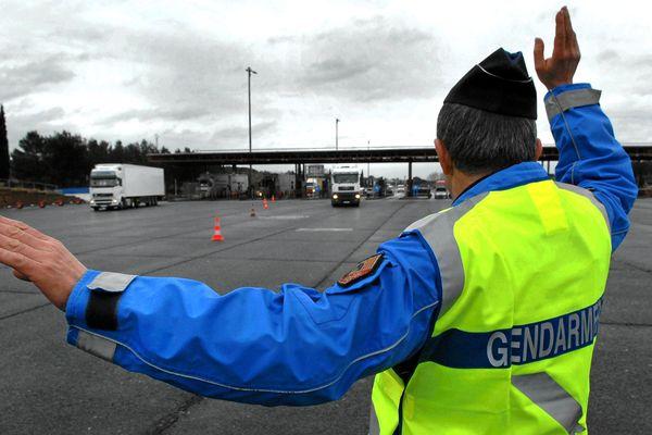 Arrêtée par le peloton de gendarmerie autoroutier de Grand-Gallargues (Gard), la conductrice avait parcouru près de trente kilomètres à contre-sens et en état d'ivresse.