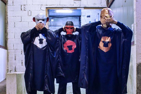 Les trois rappeurs bisontins présenteront leur set au public breton.