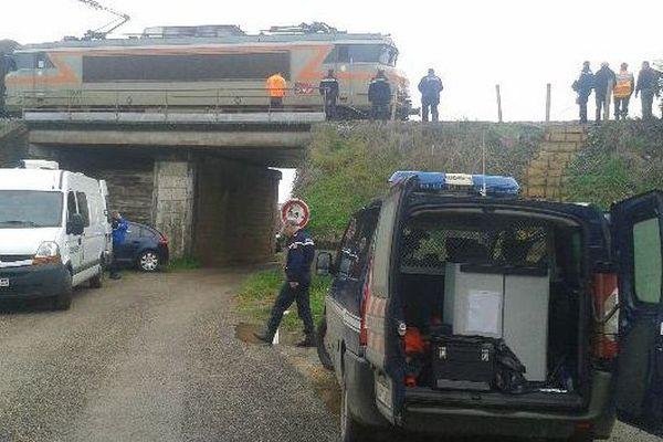 L'accident a eu lieu peu avant 10 h lundi matin sur la ligne SNCF entre Nicole et Aiguillon