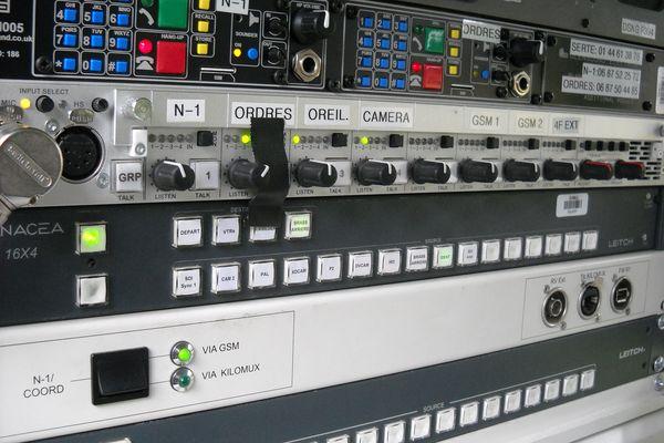 Plus d'une centaine de boutons. Le DSNG permet de couvrir les news le plus rapidement possible.