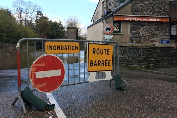 Des routes barrées et inondées à Guipry-Messac (Ille-et-Vilaine)