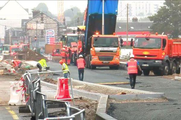 Vision de chantier... très fourni, avenue Jean Rondeaux à Rouen ce 20 août