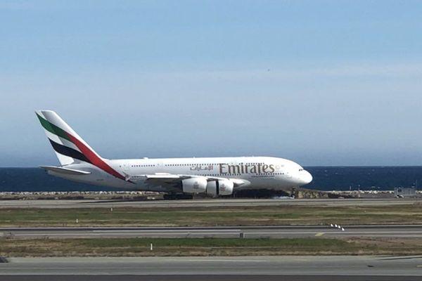 Après un atterrissage avorté et une escale à Milan, l'A380 a finalement réussi à se poser à Nice à 14h50 ce mardi.