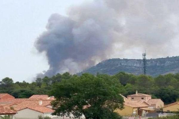Saint-Bauzille-de-Montmel (Hérault) - incendie sur un feu de pinède - 8 août 2015.