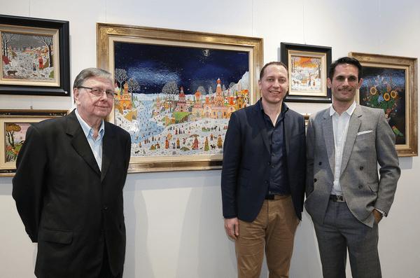 Le peintre Alain Thomas avec les fondateurs de LumiNantes Wilhem Thomas et François-Xavier Vandanjon