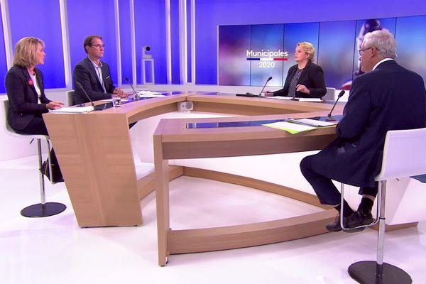 Trois personnes sont en lice pour remporter la mairie de Sélestat (Bas-Rhin) au cours du second tour.