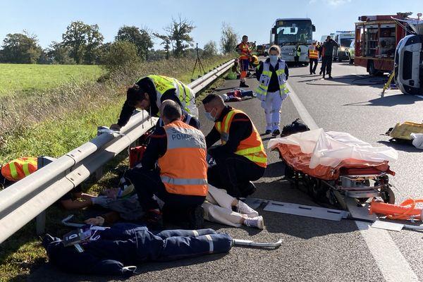 Plus de 70 véhicules des services d'urgence ont été mobilisés
