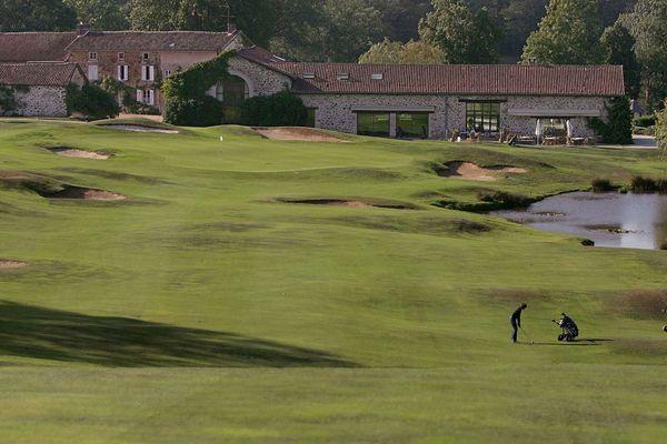 Les golfeurs espèrent retrouver bientôt les fairways et les greens (photo d'archives)