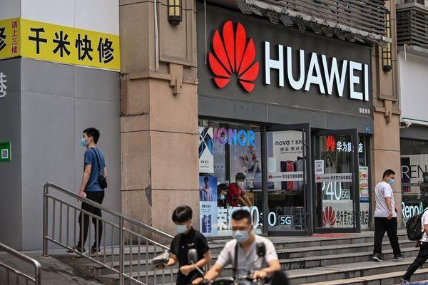 Huawei, le géant chinois, figure en bonne position pour remporter le déploiement de la 5G dans une majorité de pays européens. Deux autres fabricants sont sur les rangs : Nokia et Ericsson