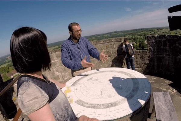 En haut de la tour de Masseret (Corrèze) on admire tout le relief du Pays du Limousin.
