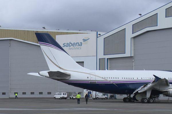 Sabena Technics dispose d'une surface de 100 000 m2 à Mérignac où l'entreprise aéronautique assure la maintenance d'avions civils et militaires
