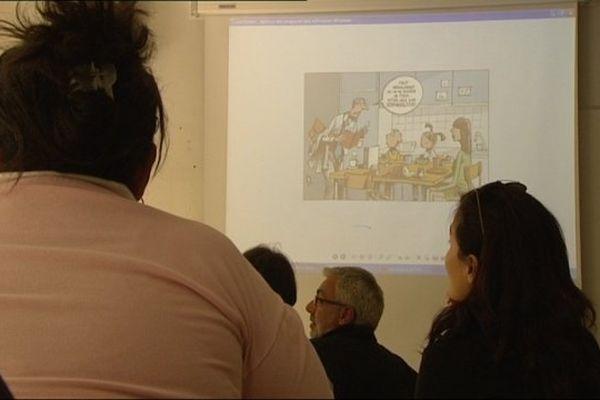 500 professeurs, venus du monde entier, sont formés cet été au centre de linguistiques appliquées de Besançon.