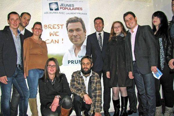 Photo de groupe aux Jeunes Populaires de Brest