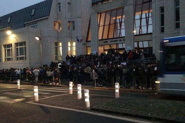 Le lycée Charles de Gaulle ce vendredi 24 janvier au matin
