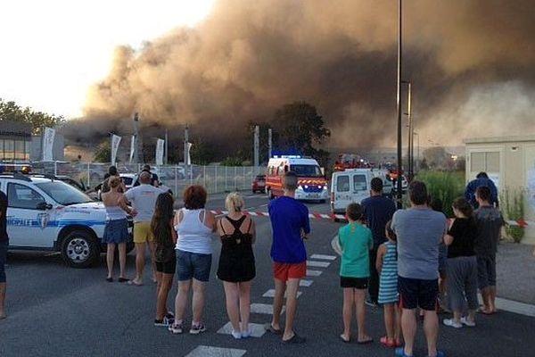 Carcassonne - l'entrepôt Beuron de Salvaza détruit par un violent incendie - 27 juillet 2014