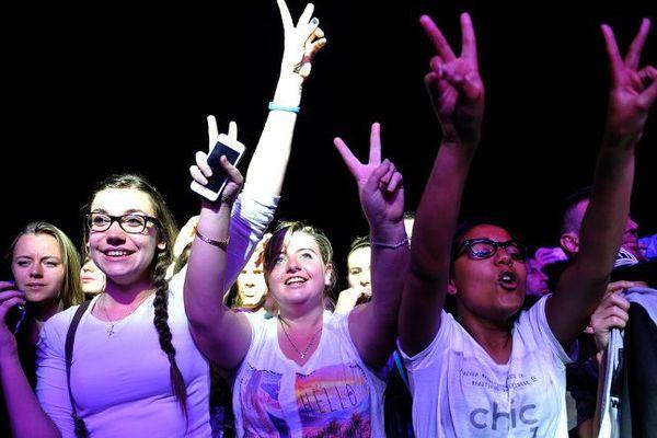 Des festivalier lors de la soirée rap au Printemps de Bourges, le 28 avril 2015.