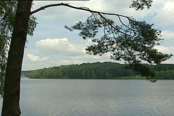 Le lac de Vassivière (Creuse)