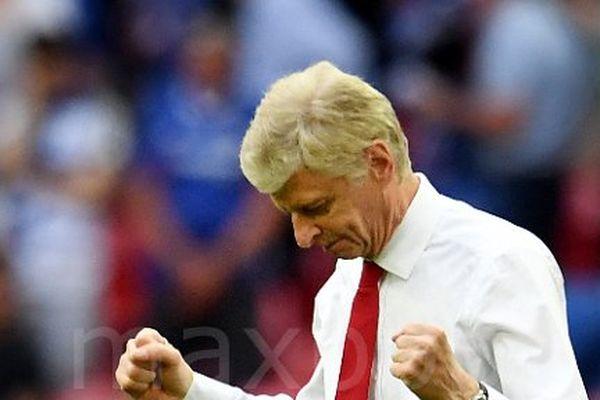 Arsène Wenger prolonge de deux ans son contrat avec Arsenal