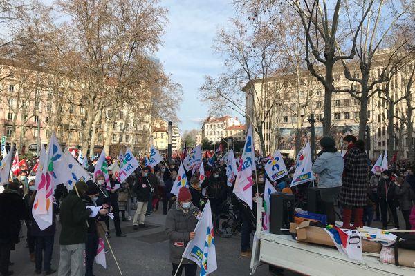 Le monde de l'éducation mobilisé mardi 26 janvier à Lyon Et Saint-Etienne notamment pour dénoncer la gestion de la crise