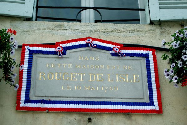 Plaque au musée de Lons-le-Saunier