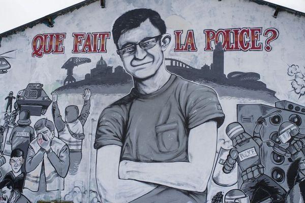La fresque en hommage à Steve Maia Caniço, quai Wilson à Nantes