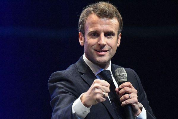 Le Président de la République Emmanuel Macron lors des Assises régionales des maires de Bretagne à Saint-Brieuc, ce 3 avril 2019
