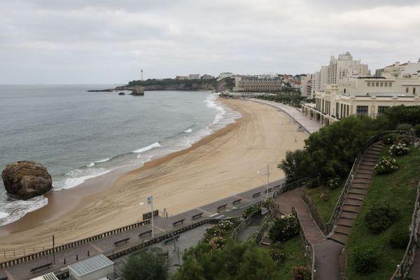 Fini les pauses méditatives à scruter l'horizon... A Biarritz, on ne s'attarde plus sur les bancs publics !