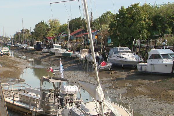 Avant le nouveau port, les bateaux des usagers du port étaient à l'échouage à marée basse