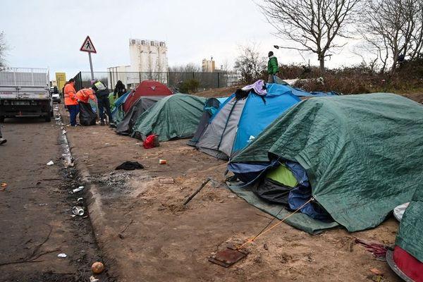 Un camp de migrants à Calais, fin novembre.