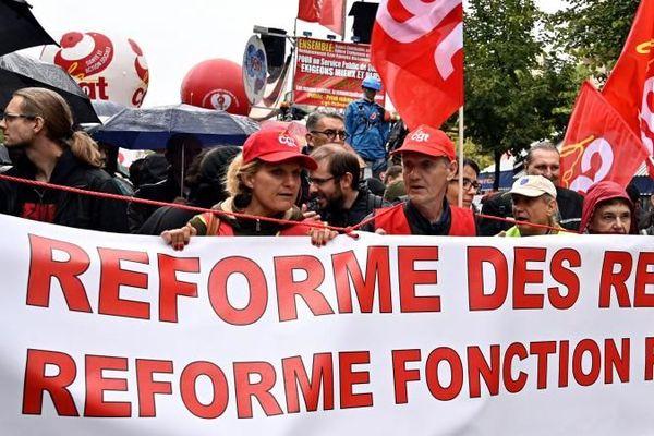 Les manifestants défilent à Paris, le 24 septembre 2019, contre la réforme des retraites.