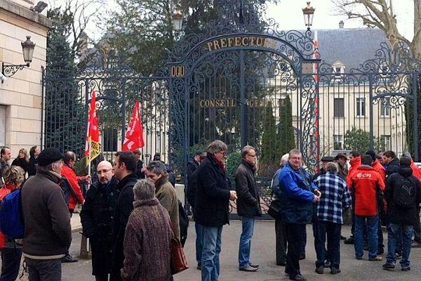 Une réunion est organisée à la préfecture de Saône-et-Loire vendredi 1er mars 2013 pour évoquer le sort de la centrale à charbon de Montceau-lès-Mines qui doit fermer ses portes l'an prochain.