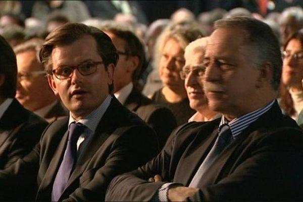 André Villiers (UDI) aux côtés du candidat Guillaume Larrivé (UMP) lors de son meeting de lancement de campagne à Auxerre, le 19 novembre 2013
