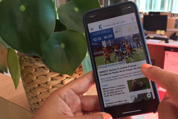 Smartphone ouvert sur l'application F3 CVDL avec open space en fond.