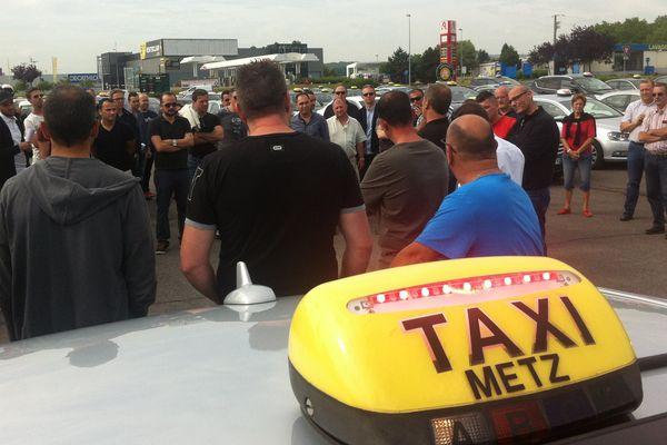 Les taxis sont mécontents, comme ici à Metz.
