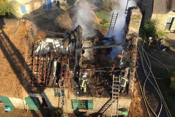 L'incendie d'une toiture en chaume à Saint-Lyphard en Loire-Atlantique n'a pas fait de blessé
