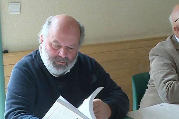 Les salons du livre en zone rurale sont une occasion pour les auteurs de faire connaître leurs écrits