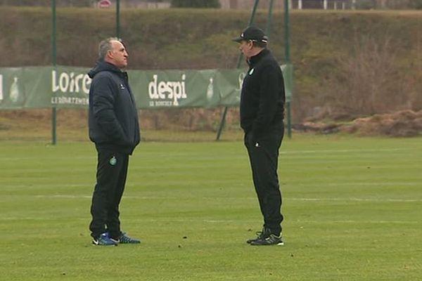Le duo composé de Jean Louis Gasset (à droite), entraîneur principal, et de Ghislain Printant (à gauche), son adjoint, assistait ce samedi matin au 1er entrainement de l'ASSE depuis la trêve hivernale.