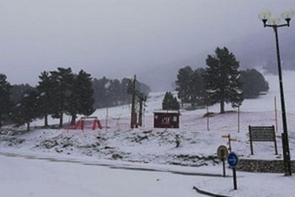 La neige tombe au Mont Serein
