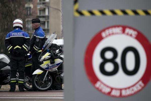 Une manifestation de motards contre la limitation de vitesse à 80 km/h.