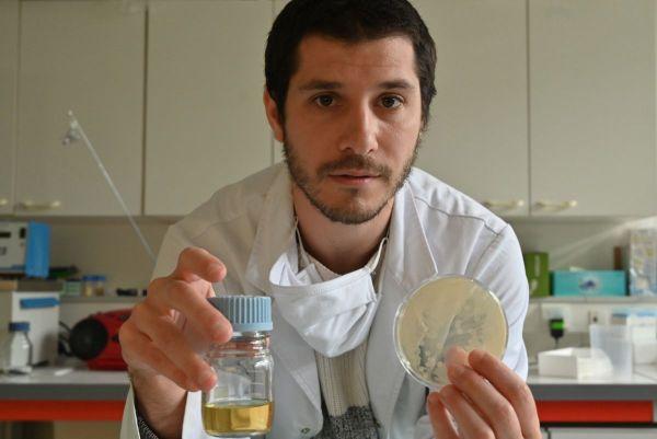 Maxime Haure est ingénieur et travaille pour la société de recherche en biotechnologie Atelier du Fruit, installée près de Dijon;